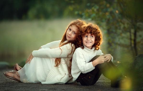 Картинка природа, дети, мальчик, девочка, рыжие, друзья, рыжики, Марианна Смолина