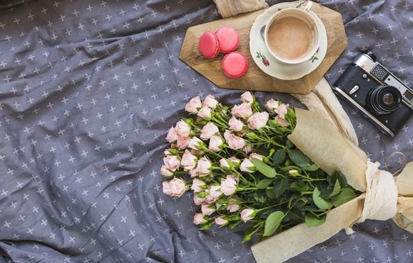 Картинка цветы, розы, букет, розовые, pink, flowers, beautiful, romantic, coffee cup, roses, macaron, чашка кофе, макаруны