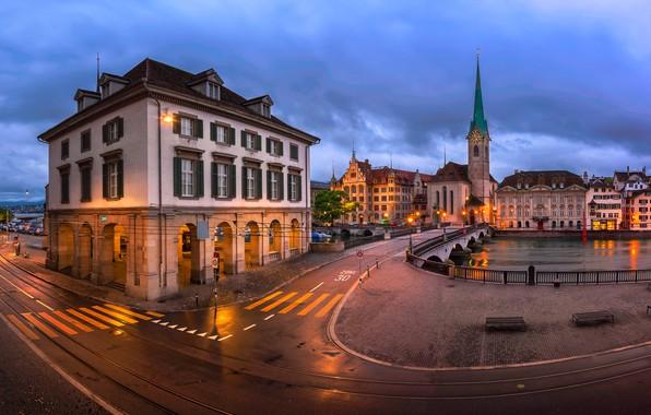 Картинка дорога, город, река, здания, дома, вечер, Швейцария, освещение, площадь, церковь, Цюрих