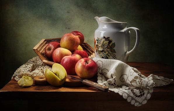 Картинка темный фон, стол, яблоки, яблоко, еда, нож, посуда, красные, ткань, кувшин, фрукты, натюрморт, предметы, салфетка, …