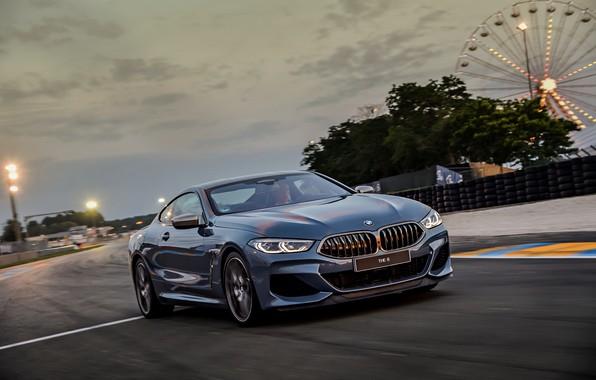 Картинка небо, купе, трасса, BMW, Coupe, 2018, серо-синий, 8-Series, бледно-синий, M850i xDrive, 8er, G15