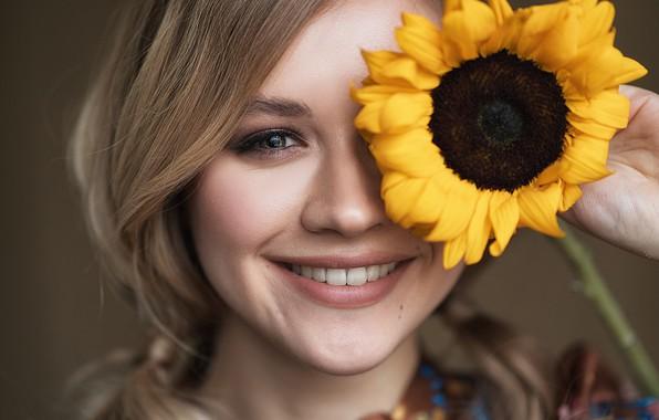 Картинка взгляд, девушка, лицо, улыбка, настроение, подсолнух, Влад Попов, Ксюша Гусева