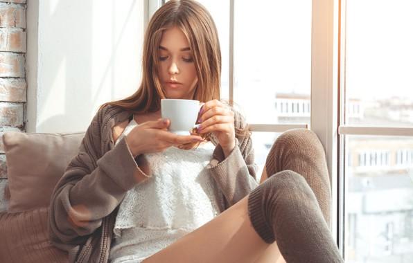 Картинка девушка, кофе, утро, чашка, girl, Beautiful, cup, coffee, smiling