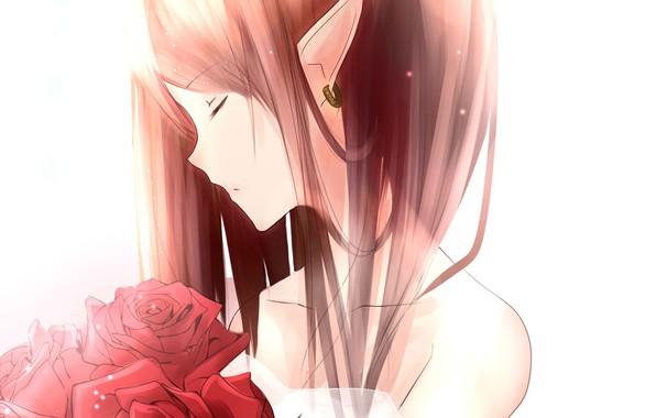 Картинка рыжая, серьга, закрытые глаза, красные розы, остроухая, шея плечи, elf girl, эльфийкка, букет из роз