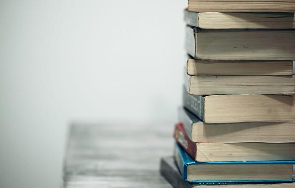 Картинка стол, книги, стопка, страницы