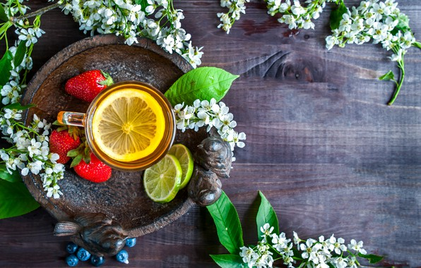 Картинка ягоды, лимон, чай, черника, клубника, кружка, лайм, напиток, wood, поднос