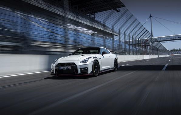 Картинка белый, Nissan, GT-R, R35, Nismo, 2020, 2019, стартовая прямая