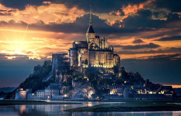 Картинка city, light, beach, cathedral, sky, sea, landscape, nature, sunset, France, clouds, island, evening, sun, castle, …