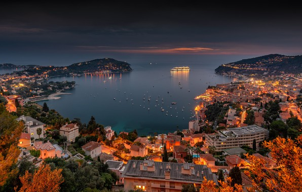 Картинка море, Франция, здания, дома, бухта, яхты, панорама, лайнер, ночной город, France, гавань, Лазурный берег, French …