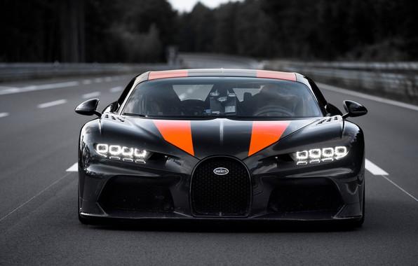 Картинка асфальт, полосы, Bugatti, гиперкар, Chiron, Super Sport 300+