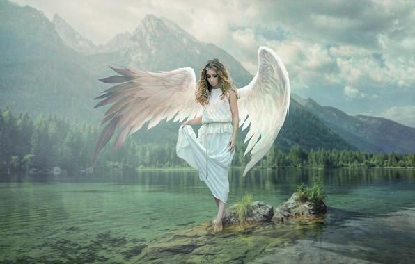 Картинка лес, вода, девушка, облака, пейзаж, горы, природа, поза, туман, озеро, камни, склоны, вершины, крылья, ангел, …