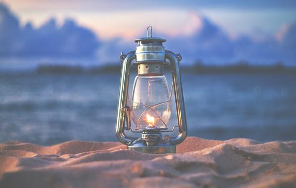 Картинка песок, природа, огонь, лампа, вечер, фонарь