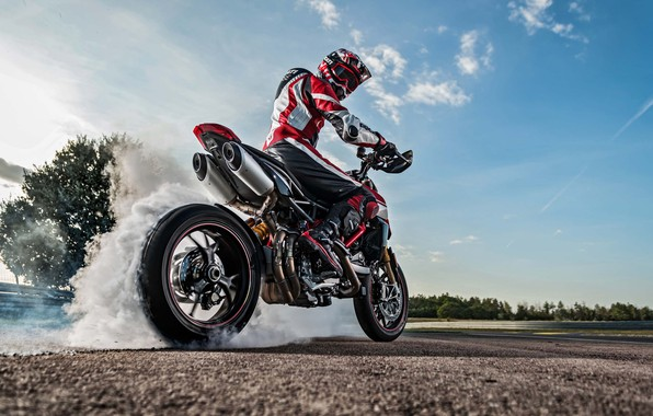 Картинка Ducati, sky, bike, smoke, tires, warming up, racing track