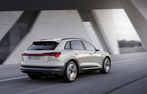 Картинка серый, движение, Audi, вид сзади, E-Tron, 2019