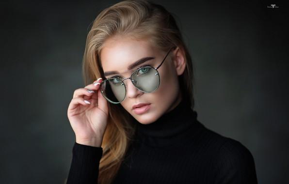 Картинка взгляд, девушка, лицо, фон, рука, портрет, очки, Dmitry Arhar