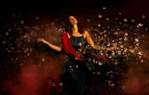 Картинка девушка, цветы, поза, настроение, кудри, анемоны, закрытые глаза, Bella Kotak