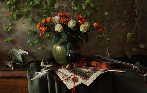 Картинка цветы, стиль, перо, скрипка, розы, букет, книга, ваза, натюрморт, смычок, подсвечник