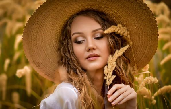 Картинка девушка, лицо, рука, портрет, шляпа, макияж, травинка, Анастасия Мазай (Донская)