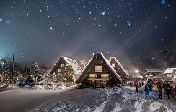 Картинка зима, свет, снег, деревья, пейзаж, природа, люди, село, дома, вечер, Япония, освещение, тени, туристы, Сиракава-го