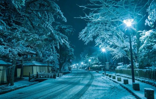 Картинка зима, дорога, снег, ночь, город, дом, улица, фонари