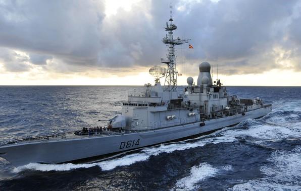 Картинка Океан, Волны, ВМС Франции, Marine Nationale, Эскадренные миноносцы типа «Кассар», Cassard (D614), Classe Cassard