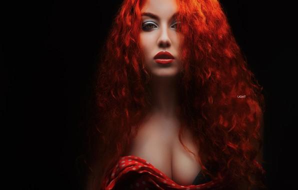 Картинка грудь, взгляд, девушка, лицо, волосы, портрет, макияж, рыжая, кудри, рыжеволосая, тёмный фон, Alexander Drobkov-Light, Анастасия …