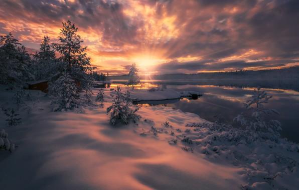 Картинка зима, облака, лучи, снег, закат, озеро, Норвегия, Norway, Ringerike, Ole Henrik Skjelstad