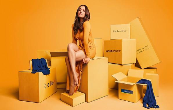 Картинка girl, legs, beautiful, model, indian, actress, photoshoot, bollywood, Yami gautam