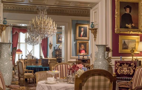 Картинка стол, Англия, кресла, картины, музей, гостиная, вазы, England, люстры, Западный Йоркшир, West Yorkshire, Cliffe Castle …