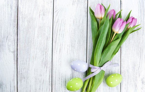 Картинка цветы, яйца, colorful, Пасха, тюльпаны, happy, wood, pink, flowers, tulips, Easter, eggs, decoration
