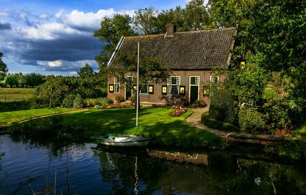 Картинка небо, облака, деревья, дом, отражение, лодка, Нидерланды