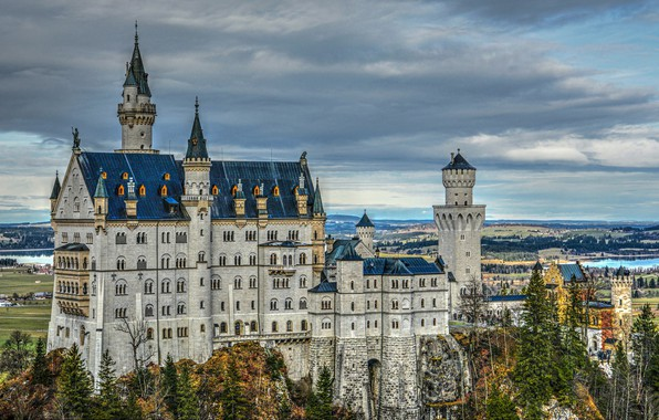 Картинка деревья, замок, Германия, Бавария, Germany, Bavaria, Neuschwanstein Castle, Замок Нойшванштайн, Schwangau, Швангау