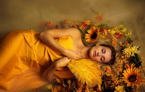 Картинка вода, девушка, подсолнухи, цветы, лицо, поза, туман, стиль, сон, перья, желтые, руки, пар, спит, лежит, …