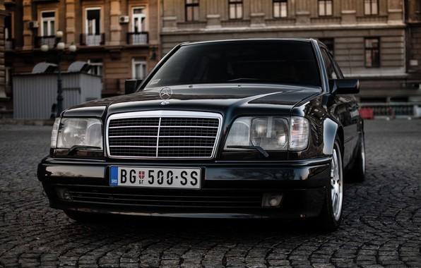 Обои Mercedes Benz E500 W124 картинки на рабочий стол