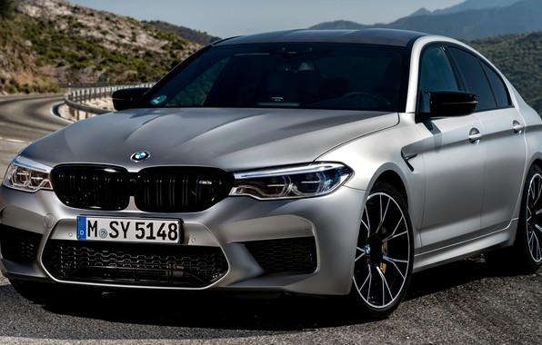 Картинка серый, BMW, ограждение, седан, горная дорога, 4x4, 2018, четырёхдверный, M5, V8, F90, M5 Competition