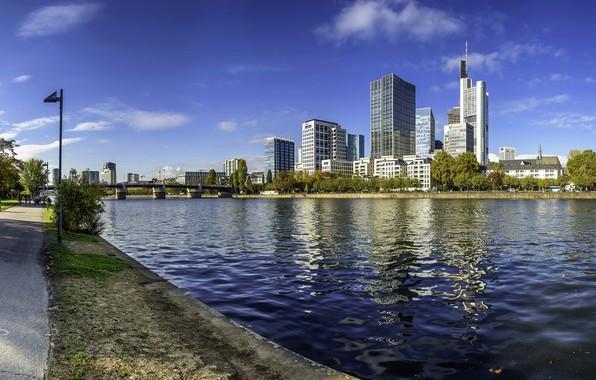 Картинка небо, мост, река, небоскребы, Германия, Франкфурт-на-Майне