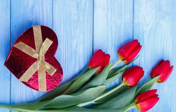 Картинка цветы, подарок, сердце, конфеты, тюльпаны, красные, red, heart, flowers, romantic, tulips, chocolate, valentine's day, gift …