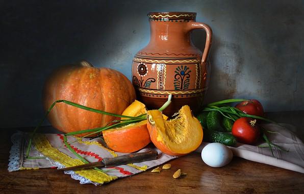 Картинка стол, яйцо, лук, нож, посуда, тыква, кувшин, натюрморт, овощи, томаты