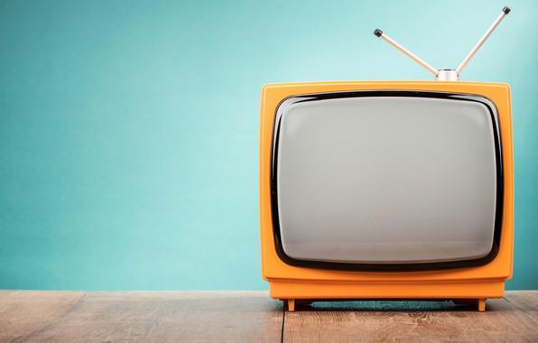 Картинка оранжевый, антенна, телевизор, голубой фон