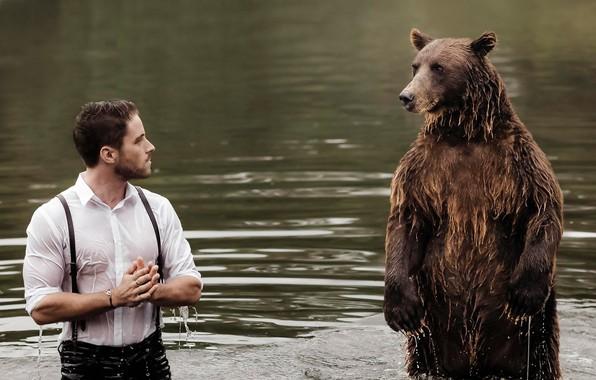 Картинка вода, встреча, ситуация, медведь, парень, стойка
