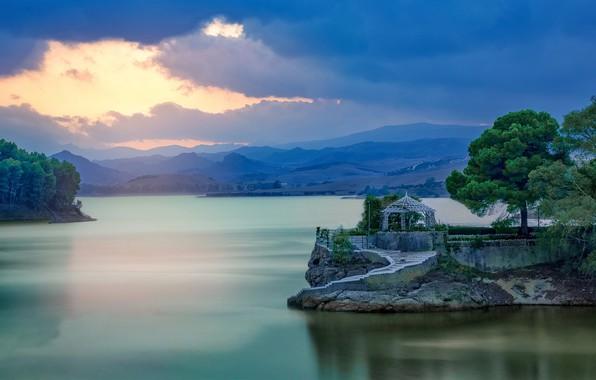Картинка деревья, горы, озеро, вечер, Испания, беседка, Spain, Малага, Malaga, El Chorro, Эль Чорро, Conde de …