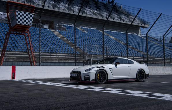 Картинка белый, Nissan, GT-R, трибуны, R35, Nismo, 2020, 2019