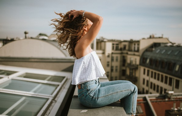 Картинка девушка, город, высота, на крыше, Anna Heupel