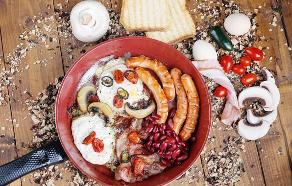 Картинка сосиски, перец, яичница, специи, сковорода, ветчина, фасоль, помидорки