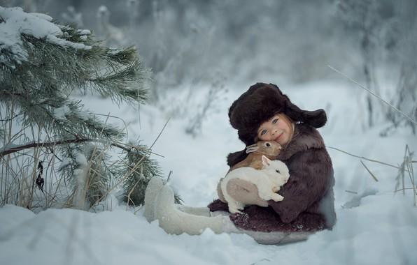 Картинка зима, снег, шапка, девочка, кролики, ушанка, друзья, шубка, валенки