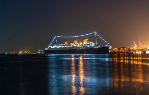 Картинка ночь, огни, берег, корабли, фонари, Калифорния, залив, США, лайнер, Queen Mary, Лонг Бич