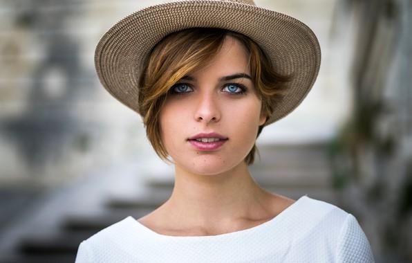Картинка взгляд, фон, модель, портрет, шляпа, макияж, прическа, шатенка, красотка, в белом, боке, Florian Pascual, Hosanna