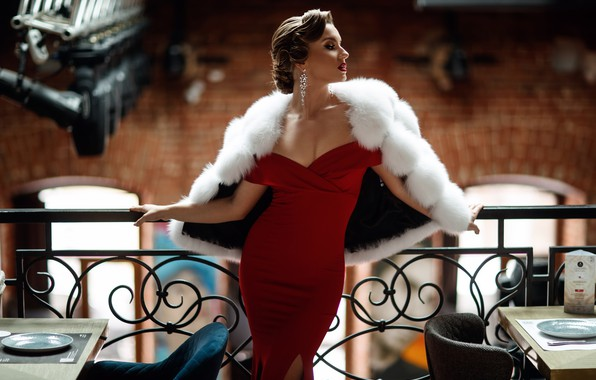 Картинка девушка, поза, стиль, модель, фигура, декольте, красное платье, Сергей Сорокин, меховое манто