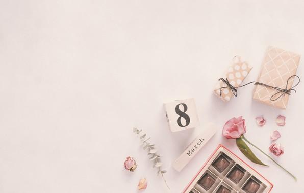 Картинка цветы, подарок, розы, лепестки, конфеты, розовые, 8 марта, pink, flowers, petals, roses, gift box, women's …
