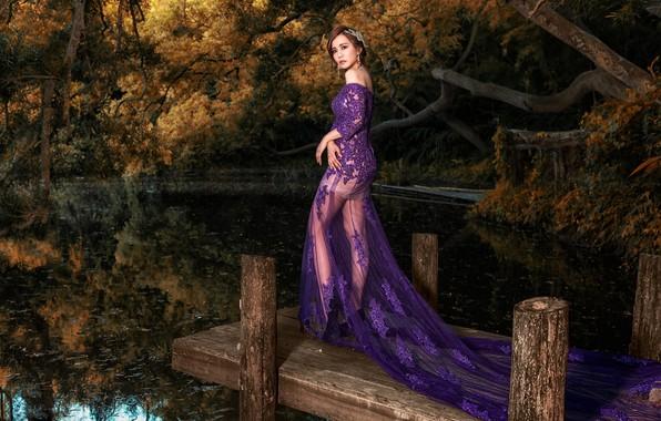 Картинка осень, взгляд, листья, вода, девушка, деревья, ветки, природа, поза, озеро, пруд, стиль, парк, отражение, ноги, …